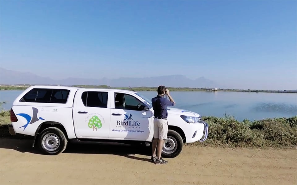 Hilux Open the Ways to Support Conservation