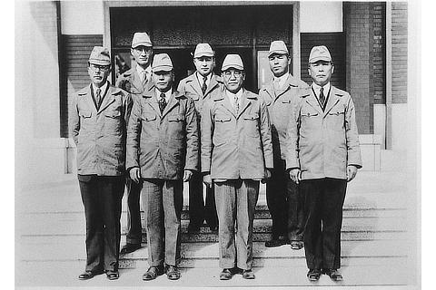 Koromo Plant - executives on the day of completion (1938)