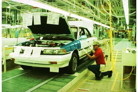 Camry production line at TMM (now TMMK) in the U.S. (1988)