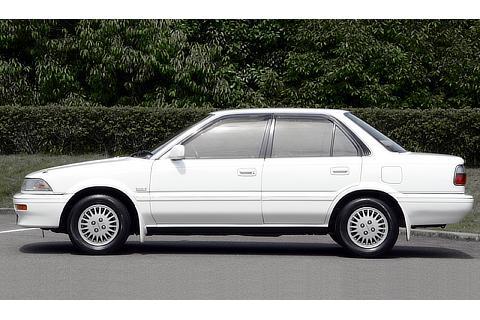 TOYOTA Corolla (1990)