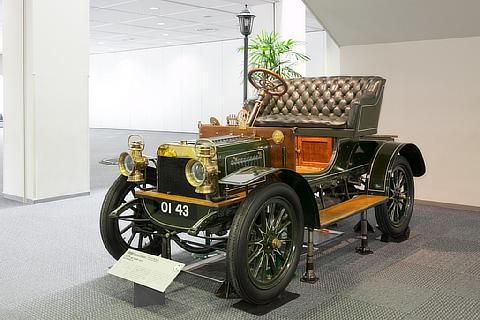 乗車可能な展示車 スイフト 9HP(1905・英)