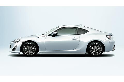 GT(クリスタルホワイトパール)<オプション装着車>