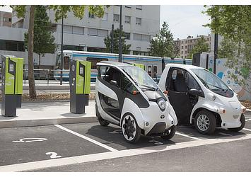 Toyota i-ROAD and COMS charging at Citélib by Ha:mo charging station