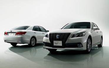 """(左右)クラウン特別仕様車Hybrid ロイヤルサルーン""""Black Style"""" <オプション装着車>"""