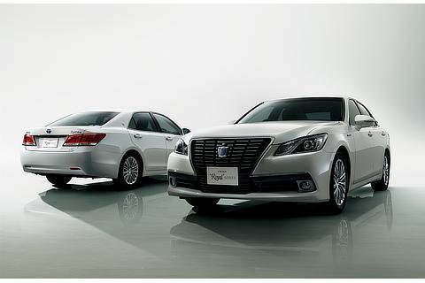"""(左右)特別仕様車 Hybrid ロイヤルサルーン """"Black Style"""" (ホワイトパールクリスタルシャイン) 〈オプション装着車〉"""