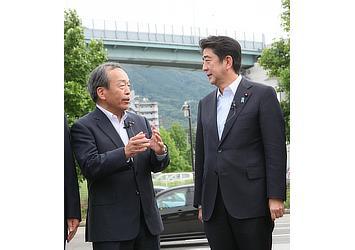 安倍首相と弊社内山田会長