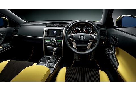 """特別仕様車 250G""""Sパッケージ・Yellow Label"""" (2WD) (内装色:イエロー) 〈オプション装着車〉"""