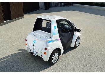 """Toyota COMS for use in """"Cité lib by Ha:mo"""" EV sharing trial in Grenoble, France"""