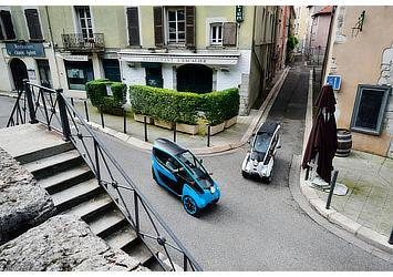 """Toyota i-ROAD for use in """"Cité lib by Ha:mo"""" EV sharing trial in Grenoble, France"""