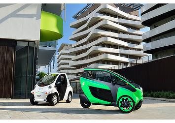 "Toyota i-ROAD and COMS for use in ""Cité lib by Ha:mo"" EV sharing trial in Grenoble, France"