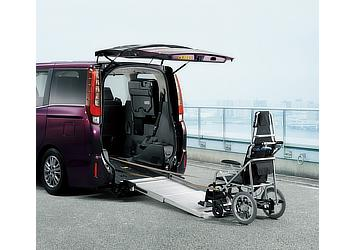 Esquire Welcab Xi 2WD wheelchair-adapted model (Type I) for two wheelchairs (Bordeaux mica metallic; options shown)
