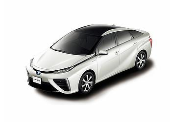 Toyota Mirai fuel cell sedan (White Pearl Crystal Shine two-tone)