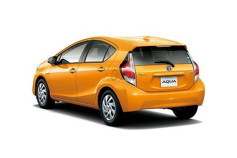 S (オレンジパールクリスタルシャイン) 〈オプション装着車〉