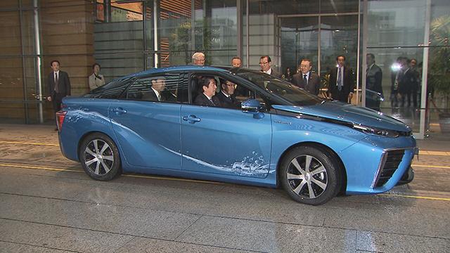1月15日、首相官邸にmiraiを納車 Toyota Global Newsroom