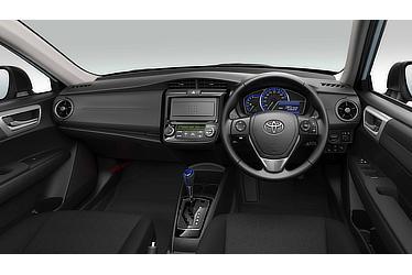 Corolla Axio Hybrid G(Black interior; options shown)