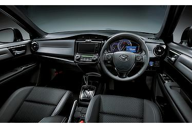 Corolla Fielder Hybrid G WxB(Black interior; options shown)