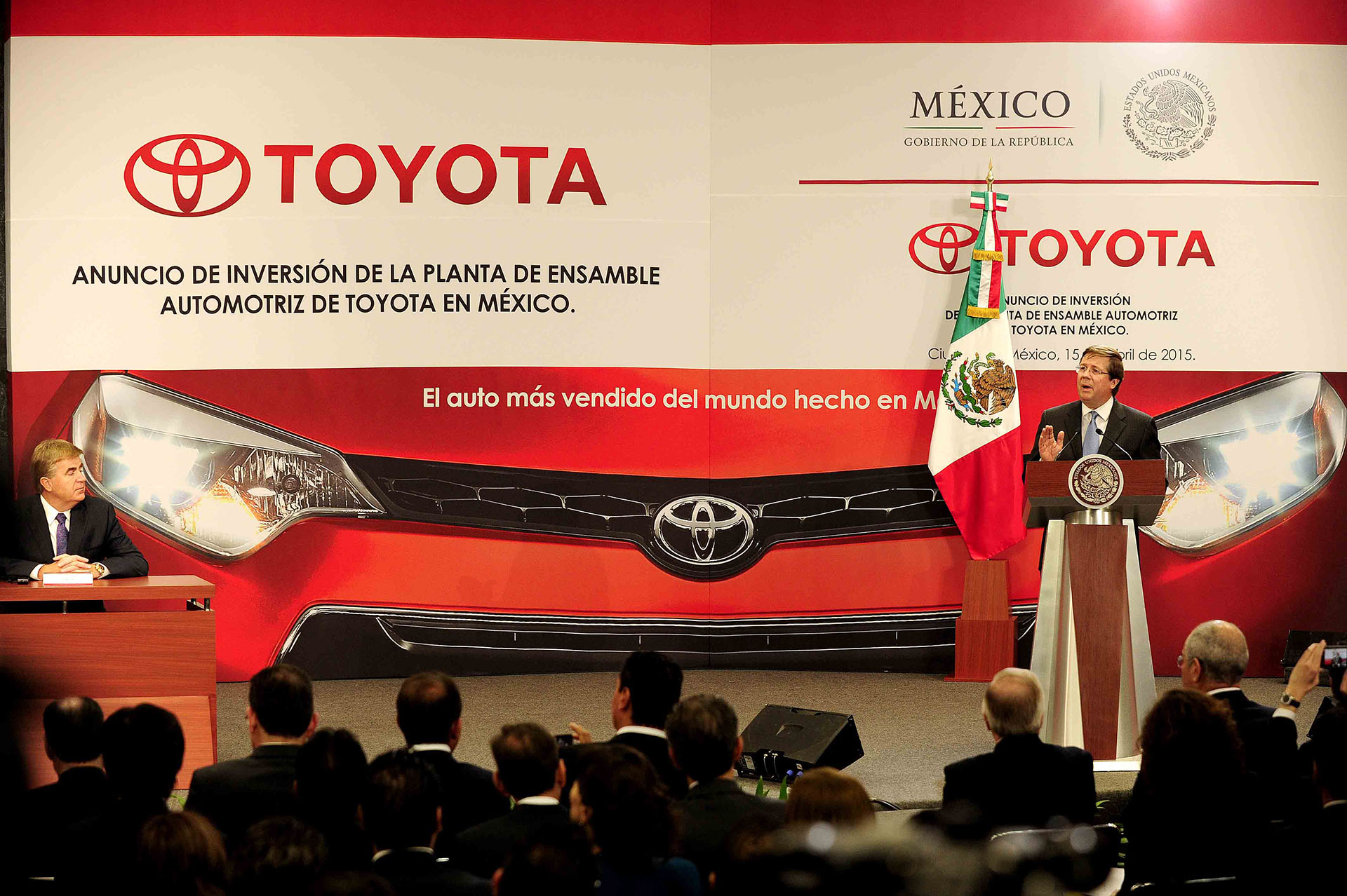 Press conference in Mexico (Toyota Senior Managing Officer James Lentz)