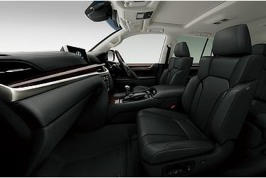 LX 570 (Interior color: Black)
