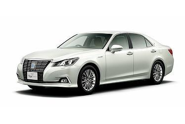 Hybrid ロイヤルサルーンG (ホワイトパールクリスタルシャイン) 〈オプション装着車〉