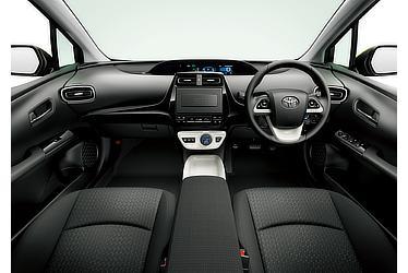 A (2WD) (内装色:ブラック) 〈オプション装着車〉