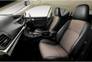 """CT200h特別仕様車""""Cool Touring Style""""(インテリアカラー : スレートグレー&ブラック)<オプション装着車>"""