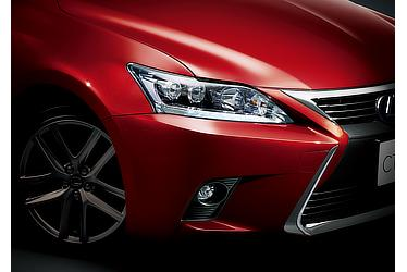 """CT200h特別仕様車""""Cool Touring Style"""" LEDヘッドランプ(ロービーム/オートレベリング機能付)/LEDクリアランスランプ(デイライト機能付)+LEDフロントフォグランプ"""