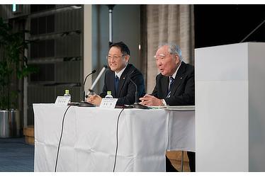 トヨタ自動車株式会社 豊田社長 スズキ株式会社 鈴木会長