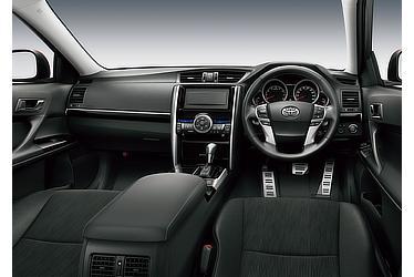 250S Four (内装色:ブラック) 〈オプション装着車〉