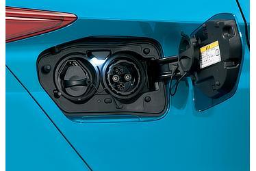 充電ポート (車両側充電装備)