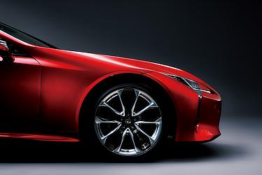 """LC500""""S package"""" (ラディアントレッドコントラストレイヤリング) 〈オプション装着車〉"""