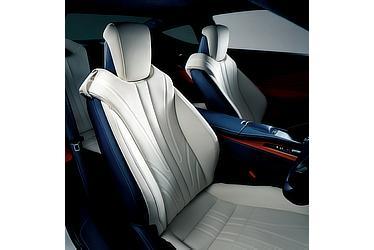 "LC500h""L package"" (インテリアカラー:ブリージーブルー) 〈オプション装着車〉"