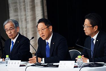 Nobuhiko Murakami, Senior Managing Officer / Akio Toyoda, President, Member of the Board of Directors / Osamu Nagata, Executive Vice President