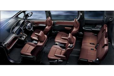 "Gi""Premium Package"" (ハイブリッド車) (内装色:バーガンディ&ブラック) 〈オプション装着車〉"