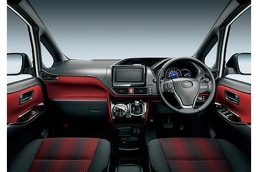 ZS (ハイブリッド車) (内装色:ブラッドオレンジ&ブラック(設定色)) 〈オプション装着車〉
