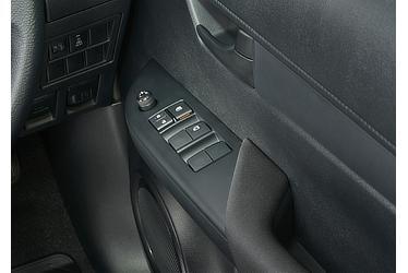 X パワーウインドゥ (運転席ワンタッチ式/挟み込み防止機能付)