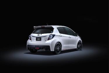 GR(スーパーホワイトⅡ)<オプション装着車>