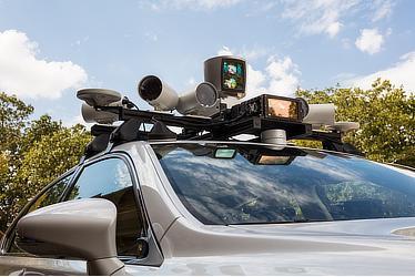TRI自動運転実験車改良版