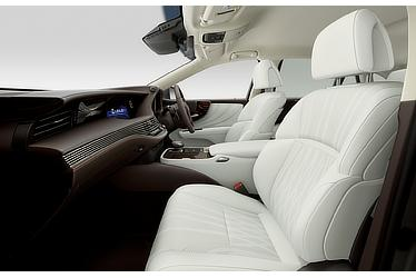 "LS 500h ""version L"" (with ""White"" interior)"