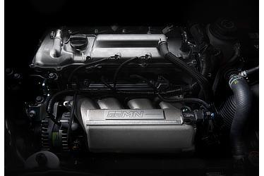 スーパーチャージャー付1.8Lエンジン