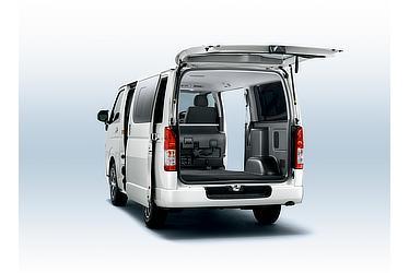 バン 2WD 2800ディーゼル 標準ボディ スーパーGL(ホワイトパールクリスタルシャイン)<オプション装着車>(荷室)