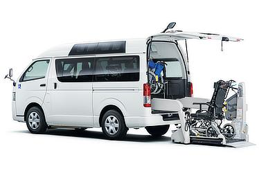 """ウェルキャブ 車いす仕様車""""Aタイプ"""" ルーフサイドウインドウ装着車 2WD 2000ガソリン ロング 標準ボディ ※車いすは装備されません"""