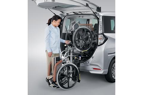 車いす収納装置 操作イメージ