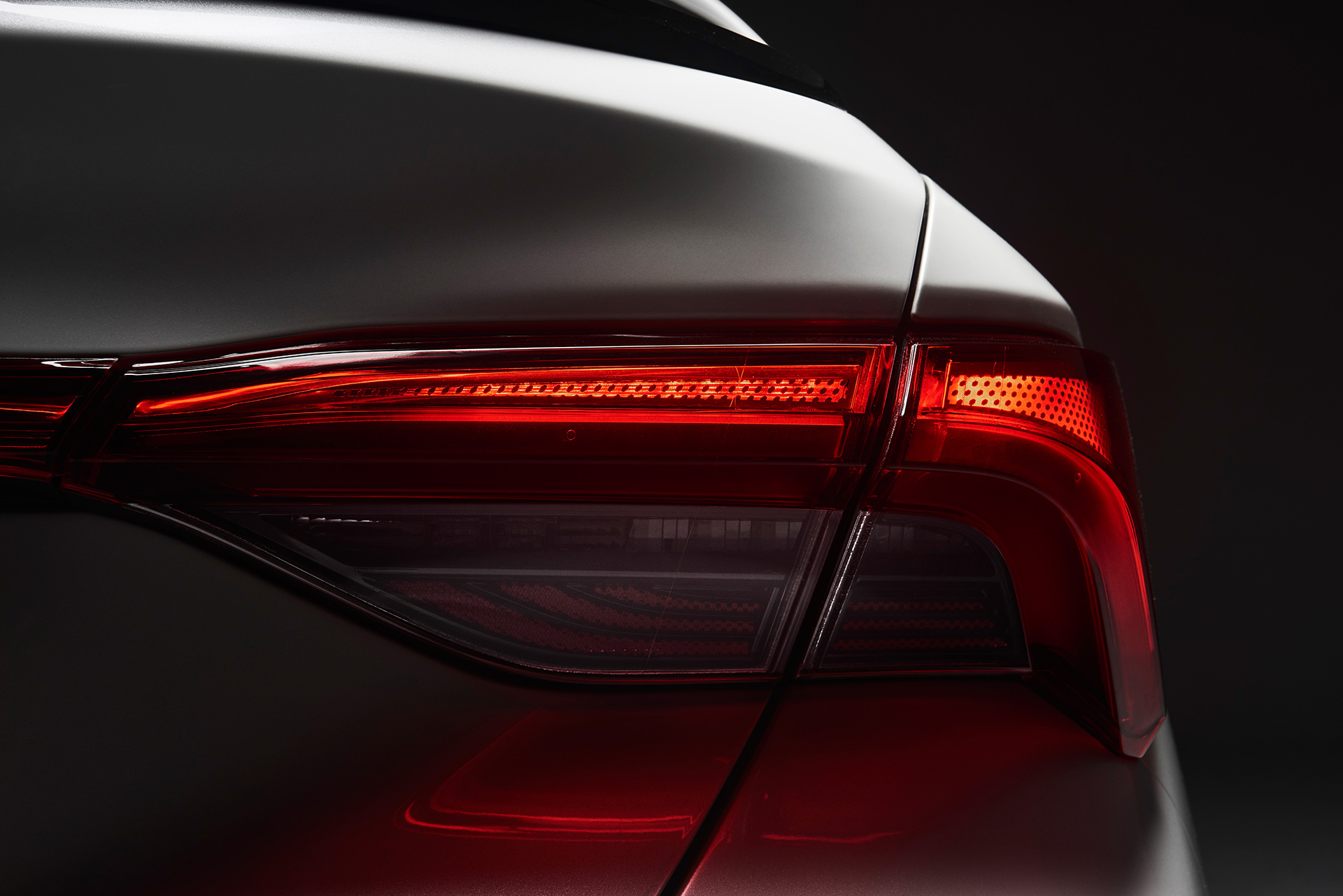 Attainable Premium, Actualized: All-New 2019 Toyota Avalon Beams