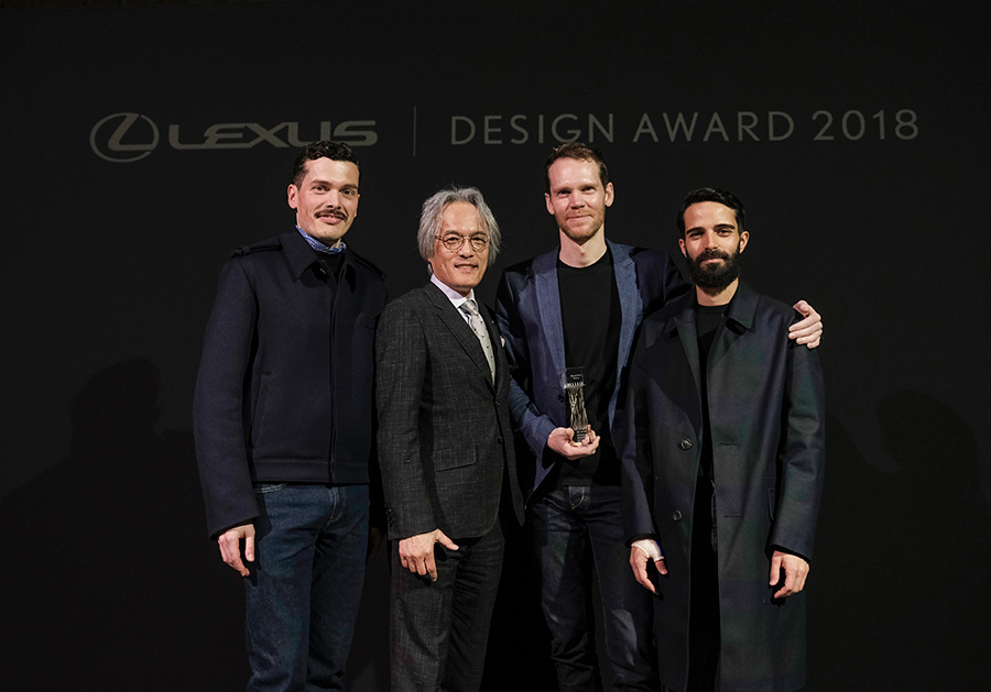 Lexus Design Award 2018 From left: Simone Farresin of Formafantasma (Mentor), Yoshihiro Sawa (President, Lexus International), Elliott P. Montgomery of Extrapolation Factory (Grand Prix Winner), Andrea Trimarchi of Formafantasma (Mentor)