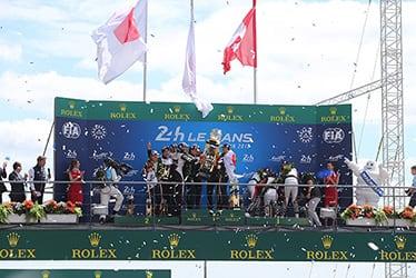 【ドライバー】小林 可夢偉/【TOYOTA GAZOO Racing WECチーム代表】村田 久武/【ドライバー】ホセ・マリア・ロペス/マイク・コンウェイ/【GAZOO Racing Company President】友山 茂樹/【ドライバー】フェルナンド・アロンソ/セバスチャン・ブエミ/中嶋 一貴 2018-19 WEC Round 2 Le Mans 24 Hours