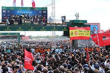 【ドライバー】小林 可夢偉/【TOYOTA GAZOO Racing WECチーム代表】村田 久武/【ドライバー】マイク・コンウェイ/ホセ・マリア・ロペス/【GAZOO Racing Company President】友山 茂樹/【ドライバー】フェルナンド・アロンソ/セバスチャン・ブエミ/中嶋 一貴 2018-19 WEC Round 2 Le Mans 24 Hours