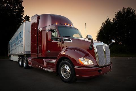 改良型のFC大型商用トラック