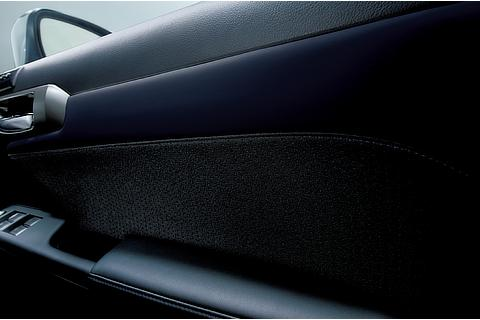 ドアトリム(特別仕様車専用L tex/ファブリック〈ブラック/ブルー・ブルーステッチ〉)