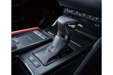 """F SPORT"" Shift knob with real leather"