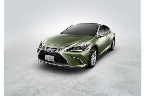 "ES300h""version L"" (サンライトグリーンマイカメタリック) 〈オプション装着車〉"